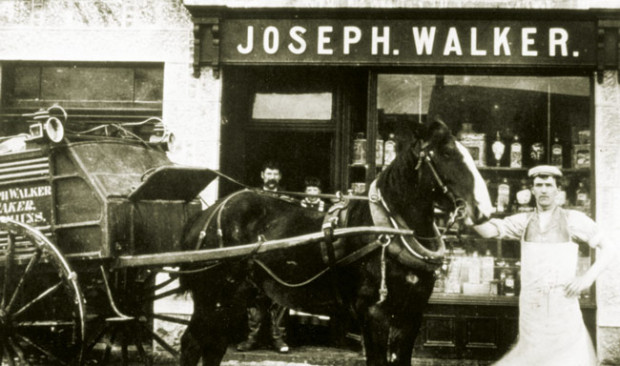 Walkers_horse_and_cart_old